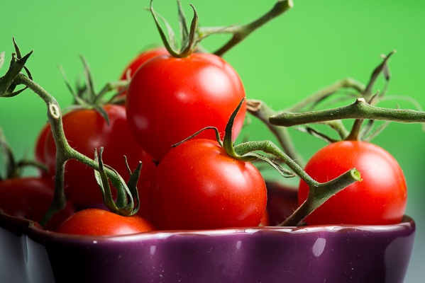 Picture 4: Bowl of tomatoes
